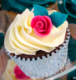 Rose Wedding Cupcake